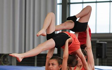 Porté de Gymnastique Acrobatique